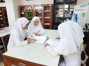Kegiatan Belajar Di Perpustakaan